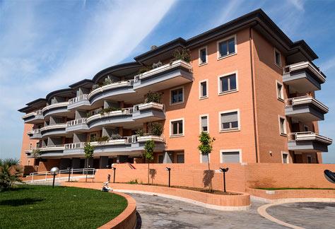 Agenzia immobiliare Roma nord - Vista laterale palazzina